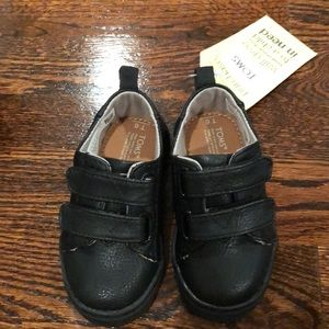 NEW IN BOX - Toms Toddler Shoes - Size 6